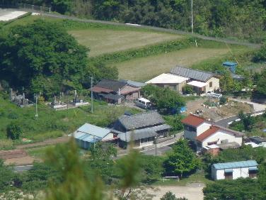千畳岩からの我が家(1).JPG